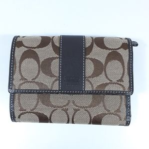 Coach Full Size Wallet Tri-Fold Snap Closure